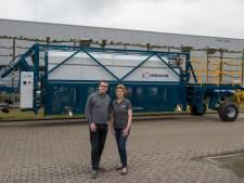 Cerescon in Heeze verkoopt eerste volautomatische aspergesteekmachine