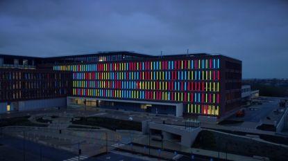 Lichtkunstwerk geeft kleur aan nieuwbouwcampus AZ Delta