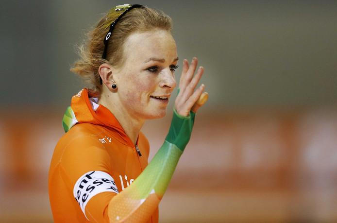 Thijsje Oenema na haar Nederlands record op de 500 meter in 2013 in Salt Lake City.