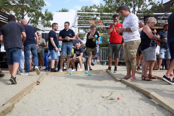 Het petanquetornooi op Lembeek Beach vond wel plaats zaterdag.