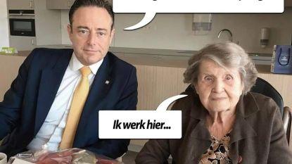 """""""Dit is respectloos"""": familie razend dat politieke tegenstanders van De Wever foto overledene voor satire misbruiken"""