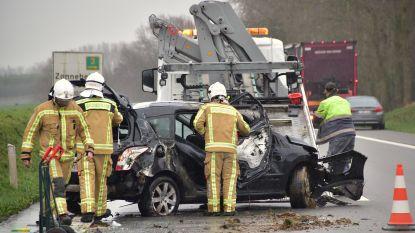 Veurnenaar lichtgewond na zware klap op A19
