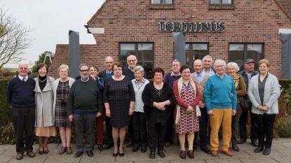 Plechtige communicanten 1960 vieren 70ste verjaardag in restaurant Terminus