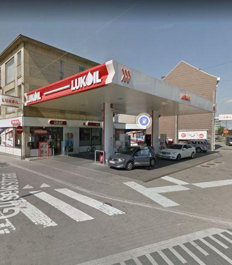 "Man gewond na steekpartij aan Lukoil tankstation aan Gijselstraat: ""Dader wordt gezocht"""