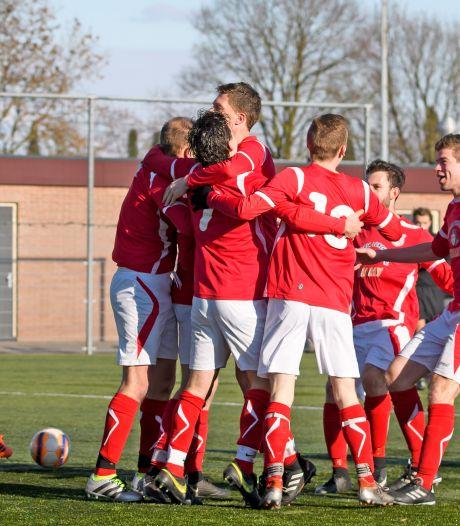 EMMS uit Slagharen roept werkgroep in het leven voor mogelijke overstap naar het zaterdagvoetbal