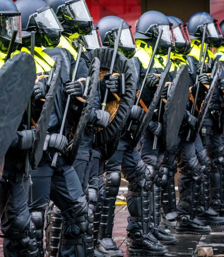 LIVE | Grapperhaus: demonstratieverbod niet nodig, dit waren criminelen