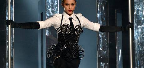 Nieuwe video Madonna is statement tegen wapens: 'This is out of control'