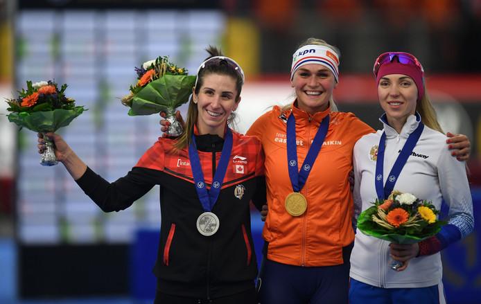 Irene Schouten won goud op de massastart.