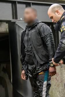 Politie vist Fransman met duizenden euro's uit het water bij Vinkeveen