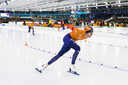 Thomas Krol in actie op de 1000 meter tegen Kai Verbij tijdens de ISU World Cup finale in ijsstadion Thialf.