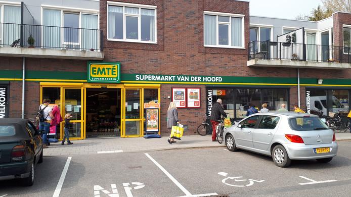 De supermarkt in Serooskerke is nu nog een Emté