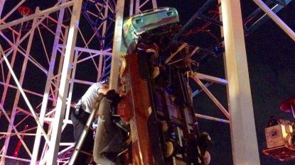 Achtbaan ontspoort: inzittenden vallen meters naar beneden