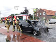 Autobrand op de N271 bij Milsbeek