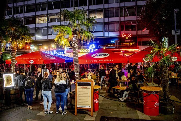 Feesten met meer dan 50 personen: in de Randstad is het niet toegestaan. En dus wijken de feestvierders uit naar andere delen van het land.