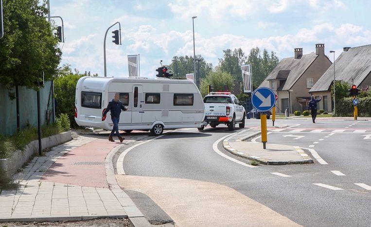 Op 7 mei vond op verschillende locaties in ons land een inval plaats, zoals hier in Roosdaal.