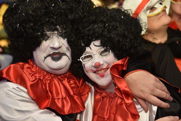 Zo verschenen vorig jaar de Kruishoutemse burgemeester Joop Verzele en zijn Zingemse collega Kathleen Hutsebaut op het feest. Hoe zal het fusieplaatje eruitzien?
