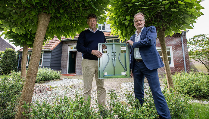 Hans van Dam (links) en Jan van der Donk van D&D Safe Sourcing.