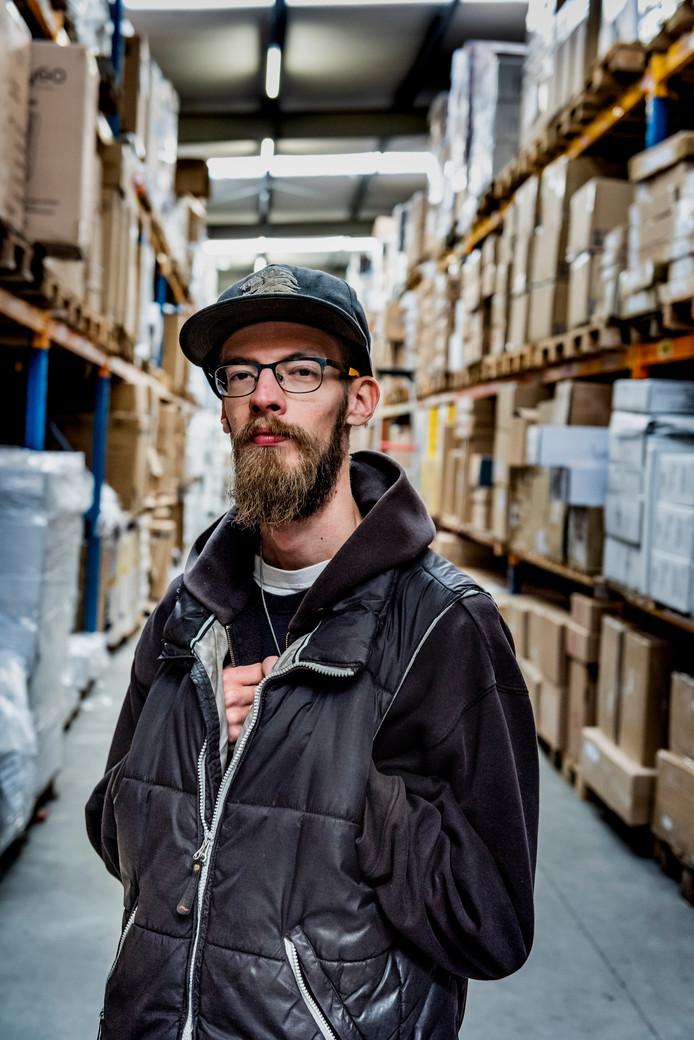 Bas Langenberg werkte in de gehandicaptenzorg maar verloor zijn baan door bezuinigingen. Bij MamaLoes mocht hij 4,5 jaar geleden na een lange zoektocht aan de slag.