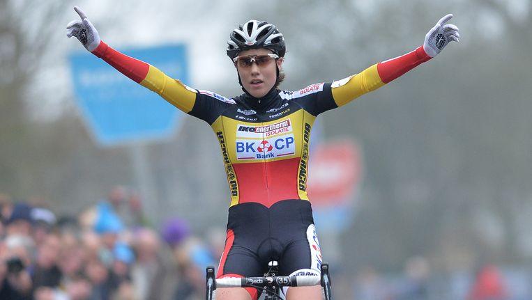 Sanne Cant blijft de overwinningen opstapelen, ook in Overijse mocht ze het zegegebaar maken.