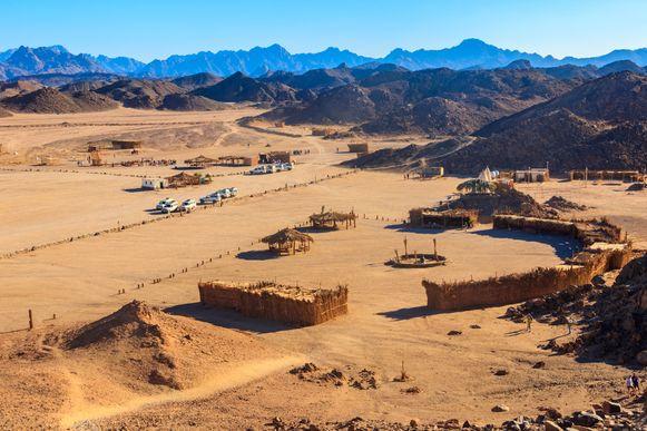 Je kan de woestijn rond Hurghada verkennen met een quad. De vergezichten zijn spectaculair.
