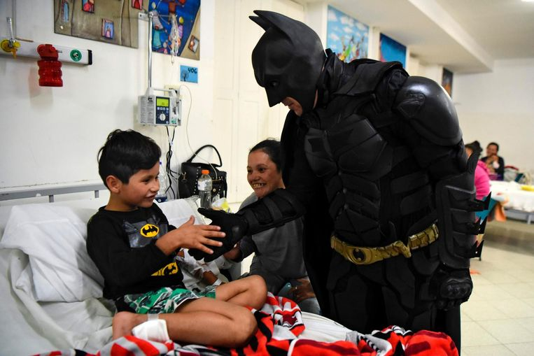 Archiefbeeld. Batman in actie in het kinderziekenhuis van La Plata in 2017.