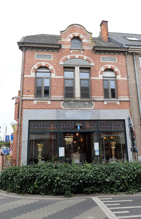 Milkbar Vanessa is sinds kort gehuisvest in dit statige gebouw aan de Vonckstraat in Herenthout.