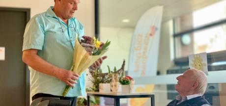 100 geïsoleerde ouderen in Gilze en Rijen opgevrolijkt met bloemen: 'Aan iedereen wordt gedacht!'