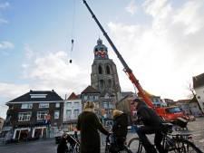 Krijgt de kerktoren dit jaar géén boerenkiel door de wind?
