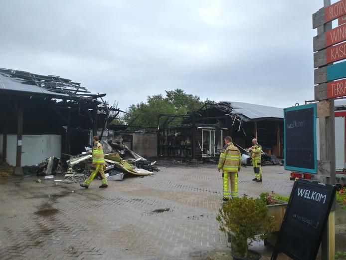 Eigenaar Gert Jan Jansen van Hof van Twello maakte na de brand deze foto.