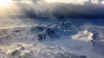 Sneeuwstorm legt vliegverkeer op IJsland plat: windstoten tot 200 km/u verwacht