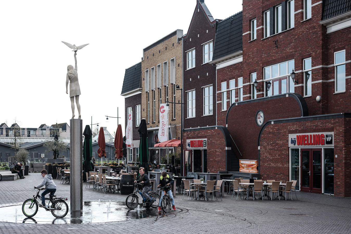 De horeca op het Remigiusplein in Duiven heeft dubbele gevoelens bij de plannen op Seingraaf.