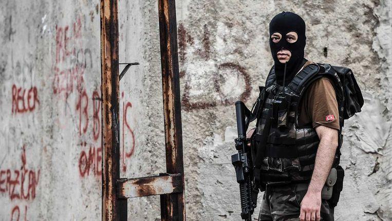 Turkije heeft maandag met een golf van geweld te maken gekregen, waarbij meerdere agenten zijn omgekomen. Beeld anp