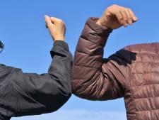 Groepen jongeren in Best en Eindhoven nemen geen afstand als agent dat vraagt: 'Totaal geen begrip voor situatie'