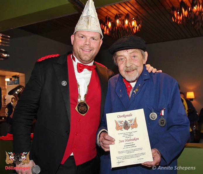 Jan Habraken werd in februari door prrins Nilles I benoemd tot Commandeur in de Orde van Döllekesgat