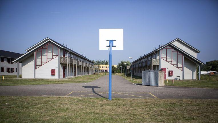 Het voormalige studentencomplex in Lent, vlak bij Nijmegen, waar nu honderd vluchtelingen uit Eritrea worden gehuisvest. Beeld Julius Schrank