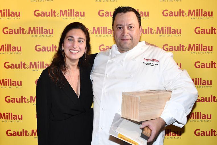 Bert Meewis van restaurant Slagmolen kreeg de prijs uit handen van Zuhal Demir.