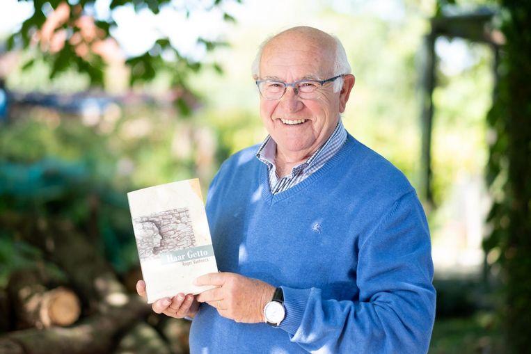 Roger Vanhoeck stelt zijn boek 'Haar Getto' voor.