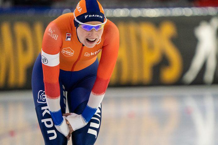 Carlijn Achtereekte zit er helemaal doorheen na haar 3000 meter op het EK afstanden.