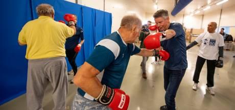 Werknemers TenCate Nijverdal slaan er flink op los bij boksclinic