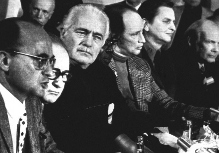Slotzitting in 1974 V.l.n.r.: President Luis Echeverria (Mexico), kanselier Bruno Kreisky (Oostenrijk), Aurelio Peccei (voorzitter Club van Rome), president Leopold Senghor (Senegal), premier Pierre Trudeau (Canada), premier Olof Palme (Zweden) en premier Joop den Uyl (Nederland). Beeld
