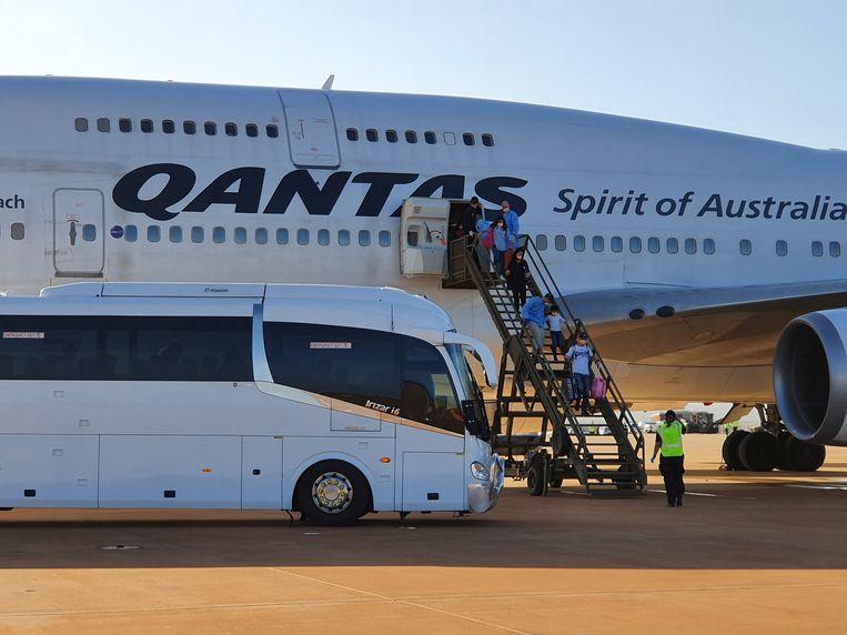 Australië haalde burgers terug uit de besmette Chinese stad Wuhan met chartervluchten van Qantas.
