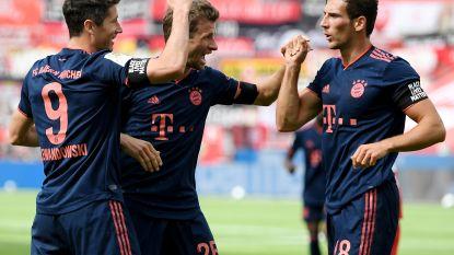 Bayern weer stap dichter bij titel na vlotte uitzege tegen Leverkusen