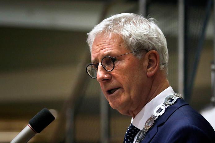 Burgemeester Jac Klijs van Moerdijk.
