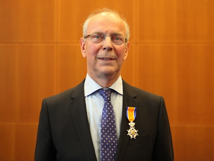 Hans Cox kreeg in 2013 al een koninklijke onderscheiding. Daar kwam woensdag de ondernemersprijs Den Bosch bij.