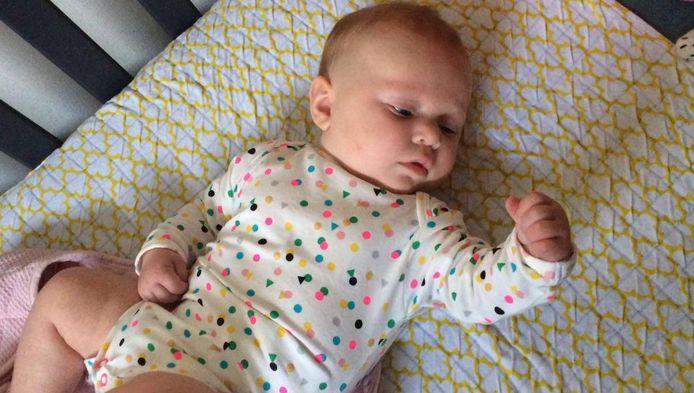Baby Ruby in een Hema-romper.