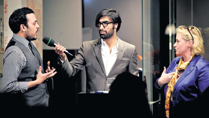 Nida-voorman El Ouali en VVD-raadslid Laan stonden lijnrecht tegenover elkaar.