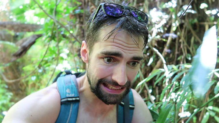 In vlog 17 wandelt Arne door de jungle van Australië.