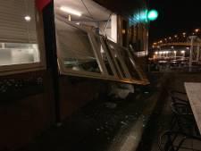 Manager toeristenhotel Zaandijk heeft 'geen idee uit welke hoek bomaanslag komt'