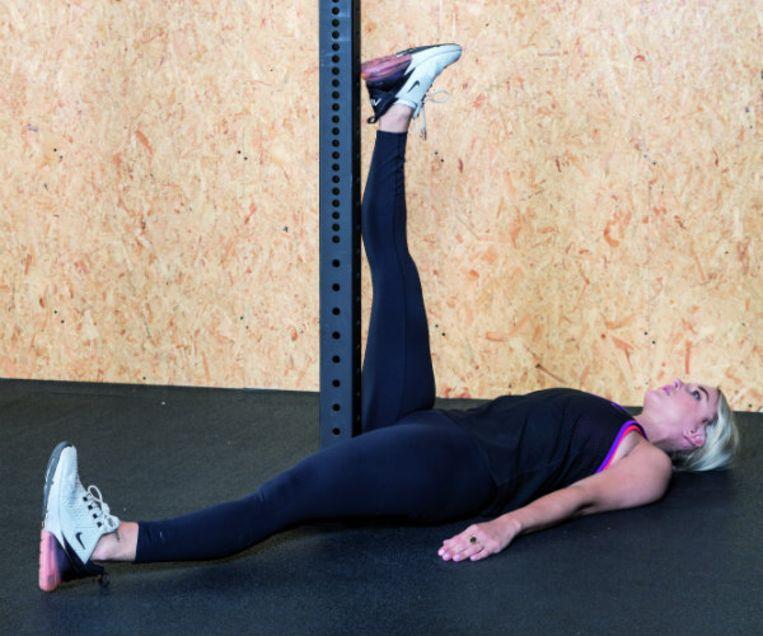 Stretchoefening voor de hamstrings.