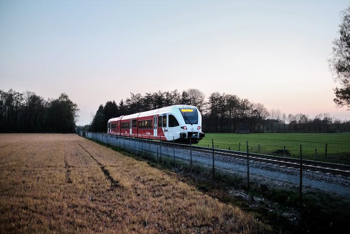 Bij wijze van proef wil Arriva in april beginnen met extra nachttreinen door de Liemers.